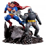 Statua Resina BATMAN Contro SUPERMAN 28cm Dark Knight Returns Originale DC COLLECTIBLES
