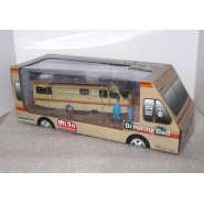 CHASE VERSION Blue Figures BREAKING BAD DieCast Model CAMPER with 2 FIGURES Walter Jesse Scale 1/64 GREENLIGHT