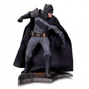 Statua Resina 26cm BATMAN da BATMAN Vs SUPERMAN Dawn Of Justice Originale DC COLLECTIBLES