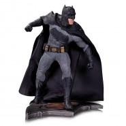 Statua Resina 26cm BATMAN da BATMAN Vs SUPERMAN Dawn Of Justice Originale DC COLLECTIBLES