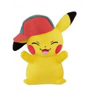 POKEMON Plush 25cm PIKACHU With ASH HAT Standing Cheering ORIGINAL Banpresto