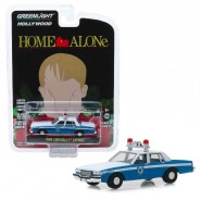 Model 1986 CHEVROLET CAPRICE From HOME ALONE 8cm Scale 1/64 DieCast Greenlight