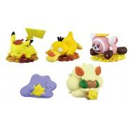 Pokemon SET 5 FIGURES Collection KANTO REGION 2-5cm Pikachu Charizard Blastoise Venusar Eevee Gashapon TOMY Japan