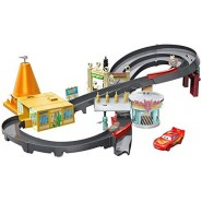 CARS Big Playset Track RACE AROUND RADIATOR SPRINGS Track Disney MATTEL GGL47