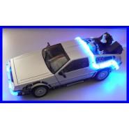 Modello Auto RITORNO FUTURO Parte 2 DeLorean DE LOREAN Scala 1/15 SUONI LUCI Diamond USA