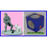 TINTIN Milou WITH ARMOR Figure Diorama OFFICIAL Herge BOXED Tin Tin
